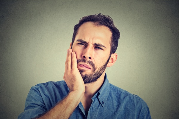 Tips For Treating A Broken Tooth